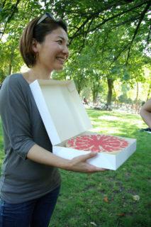 事あるごとに助けてくれたパティシエの団体LABO LOVE JAPONの美絵さんがロゴをあしらったケーキを作ってくれて大感激